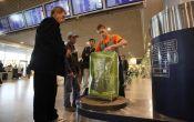 Сколько стоит в аэропорту обернуть чемодан пленкой: тарифы и цены
